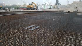 Betonbouw op grote schaal! Het begin van een silofundatie.