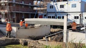 Eerste brugdek geplaatst in Noordwijk!